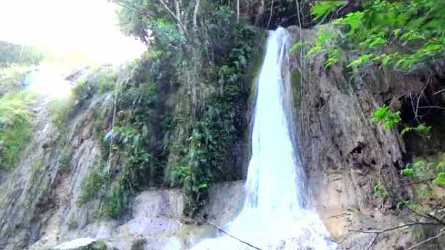 air terjun laikonja