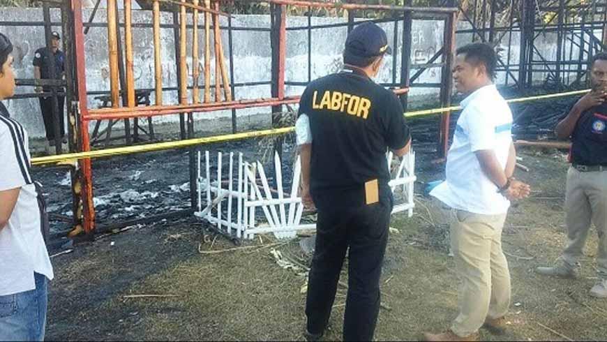 Petugas Lab. Forensik Bali