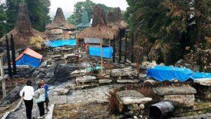 Kampung Tarung Terbakar