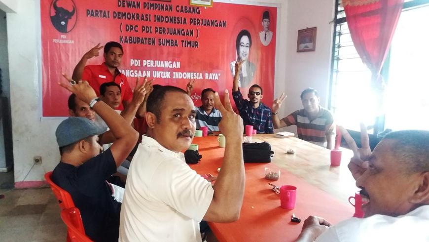 Kader PDI-P Sumba Timur & Relawan MS-Emi Kembali