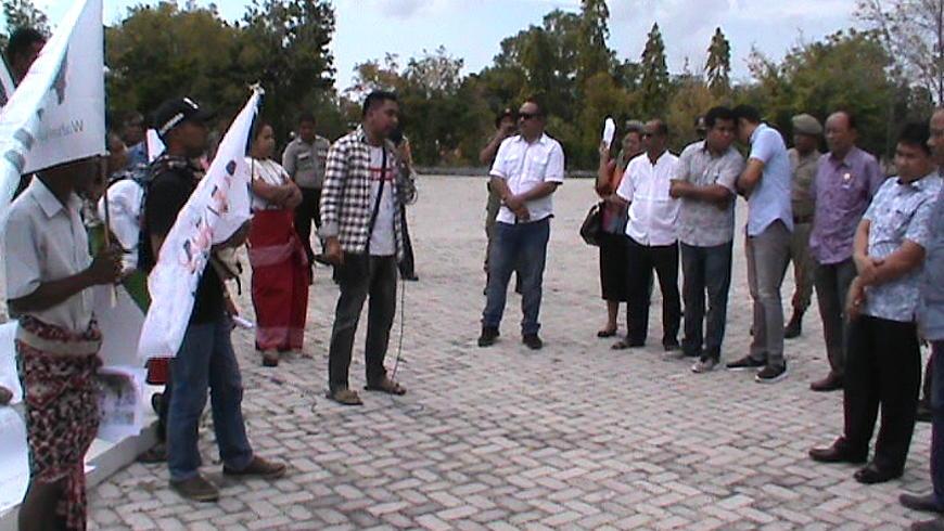 Demo DPRD dan Bupati