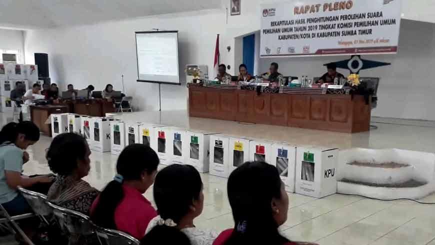 Pleno KPUD Sumba Tengah dan Sumba Timur