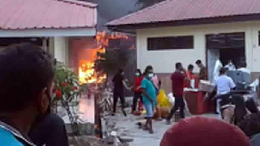 Gudang RSUD Umbu Rara Meha Terbakar